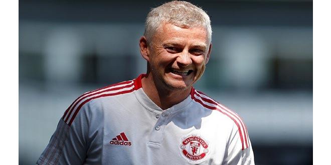 سولشار يمدد تعاقده مع مانشستر يونايتد حتى 2024