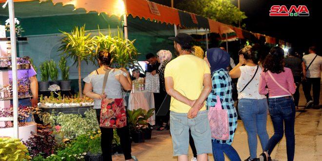 سياحة دمشق: 150 ألف زائر لمعرض الزهور في حديقة تشرين