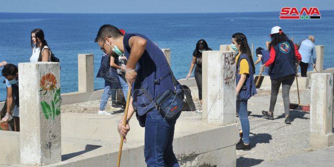 تنظيم حملة نظافة للكورنيش الجنوبي بمدينة اللاذقية