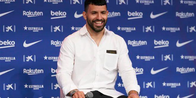 برشلونة يعلن عودة أغويرو